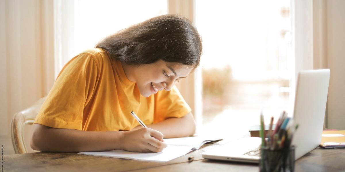 menulis personal letter