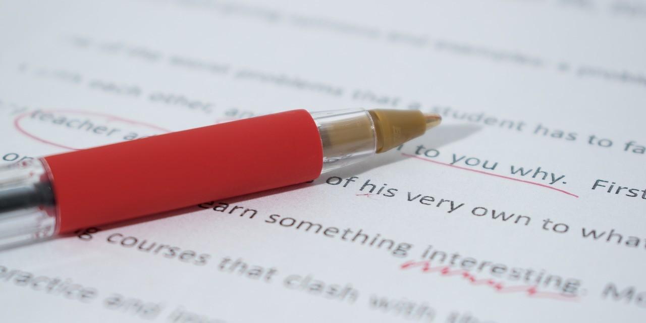 menulis essay dalam bahasa inggris