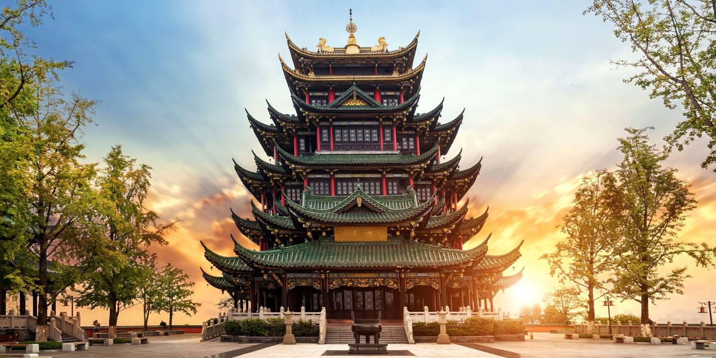 10 REASONS YOU SHOULD DROP EVERYTHING & MOVE TO CHINA IN 2020