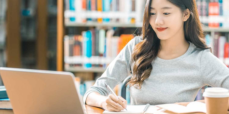 Ingin Mendapat Nilai Bagus Saat Listening TOEFL? Ikuti 4 Tips Ini
