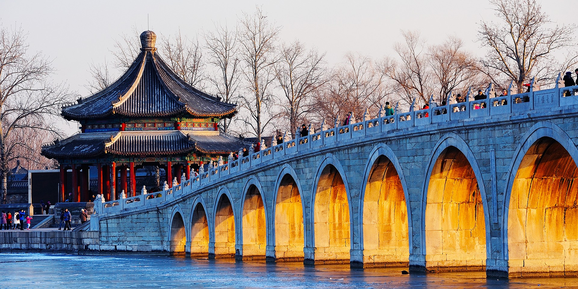 teach English in Kunming