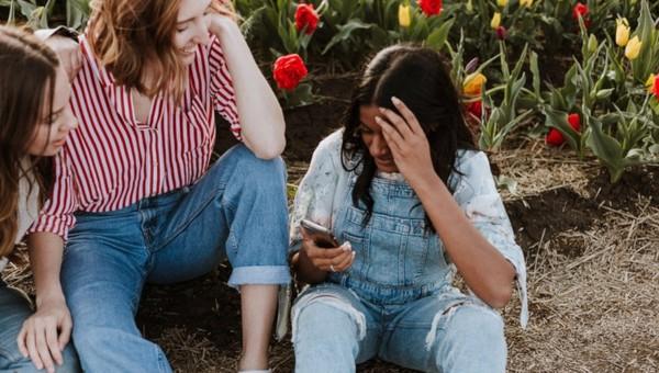 BEING AN ESL TEACHER: SOCIALIZING 101