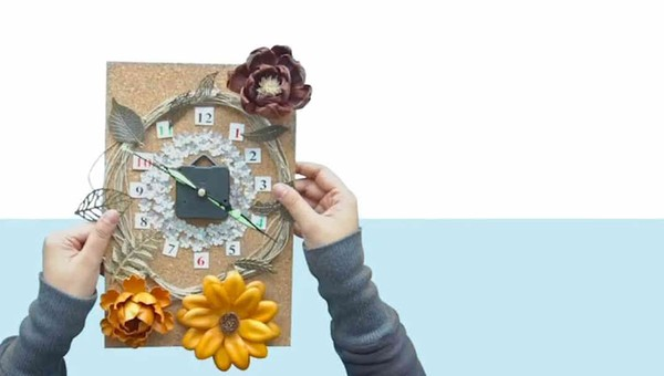 Kreasi Jam Dinding Keren dari Kalender Bekas