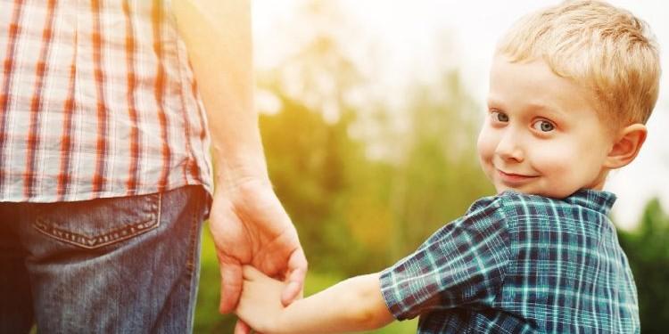 Боязнь разлуки: что это значит для ребенка?
