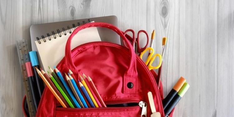 Hello English: Положи эту ручку в свой новый школьный рюкзак!