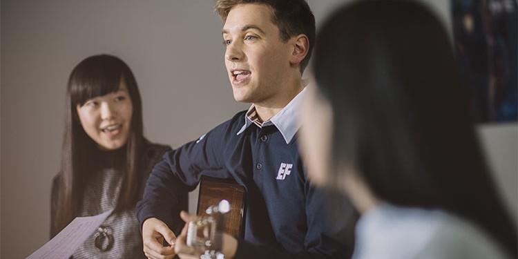 ESL TEACHER JOB DESCRIPTION – ADVICE FROM A MANAGER